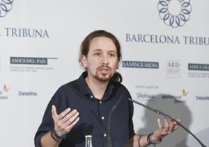 Barcelona tribuna amb Pablo Iglesias