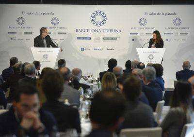 Enric Sierra modera el col·loqui a Barcelona Tribuna amb Mercè Conesa